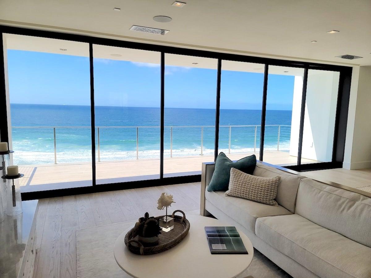 Luxury windows with seaview